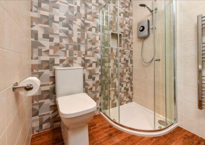Room Three shower Hafod Abersoch
