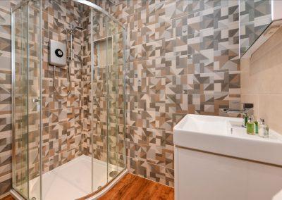 Room Two shower Hafod Abersoch